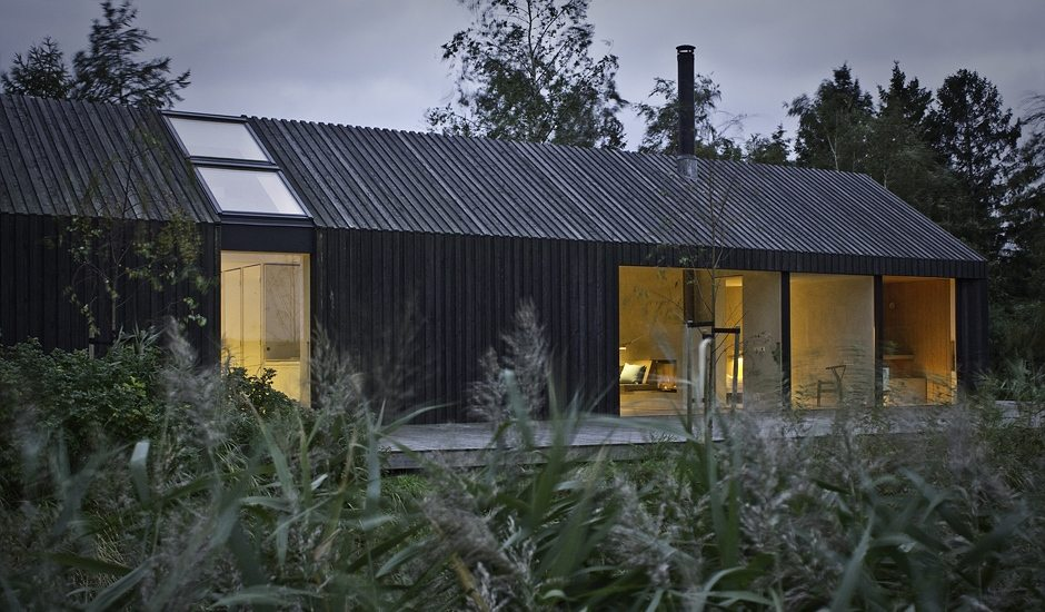 Black bright urlaubsarchitektur holidayarchitecture for Moderne architektur villa