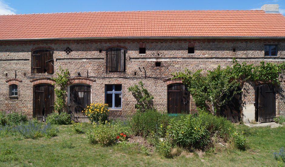 URLAUBSARCHITEKTUR_Das blaue Pferd_House and garden