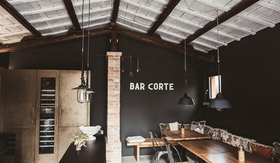 Corte Campioli – Das Leben ist eine Wundertüte: Bar Corte